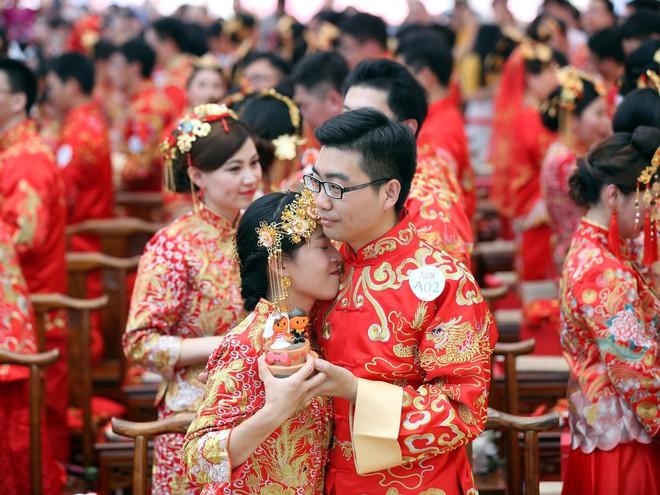Ali Day: Lễ kết hôn tập thể do CEO Alibaba Jack Ma làm chủ hôn - Ảnh 5.