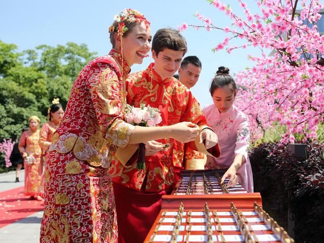 Ali Day: Lễ kết hôn tập thể do CEO Alibaba Jack Ma làm chủ hôn - Ảnh 6.