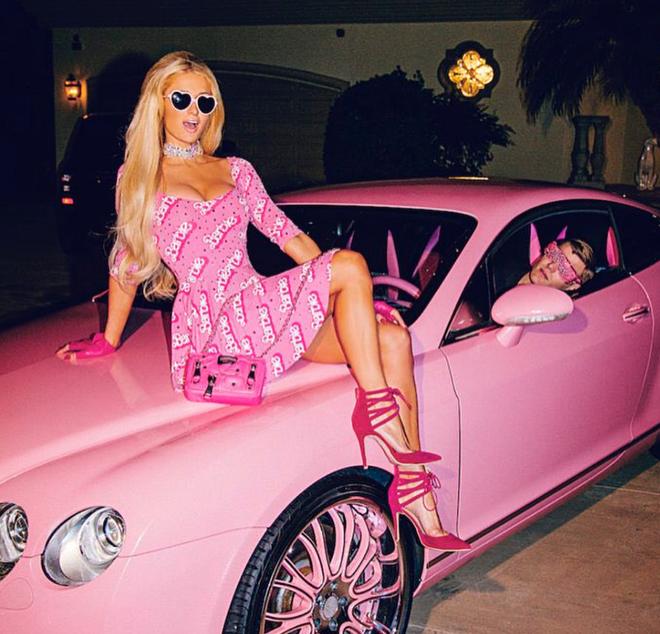 Paris Hilton: Tiểu thư triệu USD hết thời, chảnh chọe khiến toàn bộ báo chí tức giận bỏ về - Ảnh 2.
