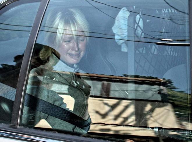 Paris Hilton: Tiểu thư triệu USD hết thời, chảnh chọe khiến toàn bộ báo chí tức giận bỏ về - Ảnh 6.