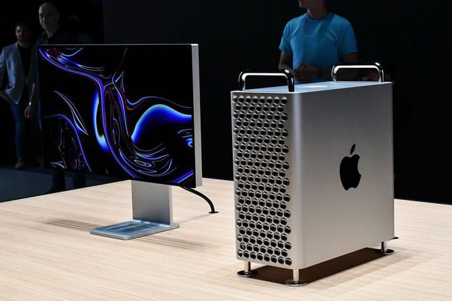 Apple vừa lập kỷ lục mới: bán máy tính có giá đắt hơn cả ô tô hạng sang - Ảnh 1.