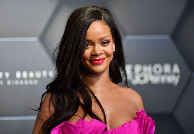 Top 80 phụ nữ giàu nhất nước Mỹ: Rihanna bỏ xa Taylor Swift trong ngỡ ngàng, tỷ phú Kylie Jenner vượt mặt cả chị Kim - Ảnh 2.