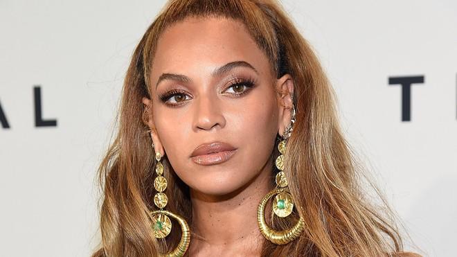 Top 80 phụ nữ giàu nhất nước Mỹ: Rihanna bỏ xa Taylor Swift trong ngỡ ngàng, tỷ phú Kylie Jenner vượt mặt cả chị Kim - Ảnh 5.