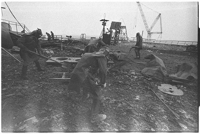 Những bức ảnh hơn vạn lời nói cho thấy mức độ khủng khiếp của thảm họa hạt nhân Chernobyl: Vùng đất chết chóc bao giờ mới hồi sinh? - Ảnh 8.