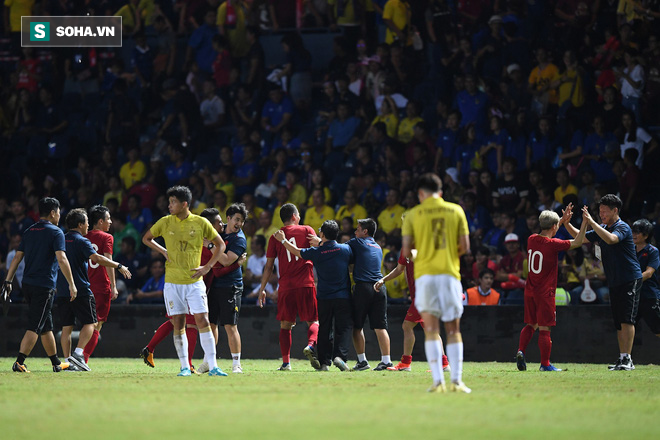 Thua Việt Nam mới chỉ là sự bắt đầu cho thảm họa của Thái Lan ở Kings Cup? - Ảnh 1.
