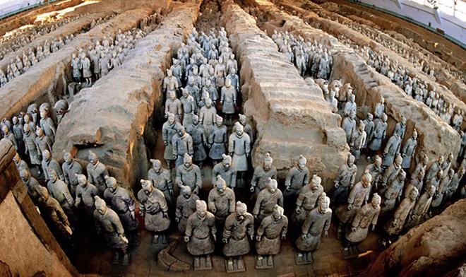 Tại sao không được phá tường giữa các chiến binh đất nung trong lăng Tần Thủy Hoàng - Ảnh 1.