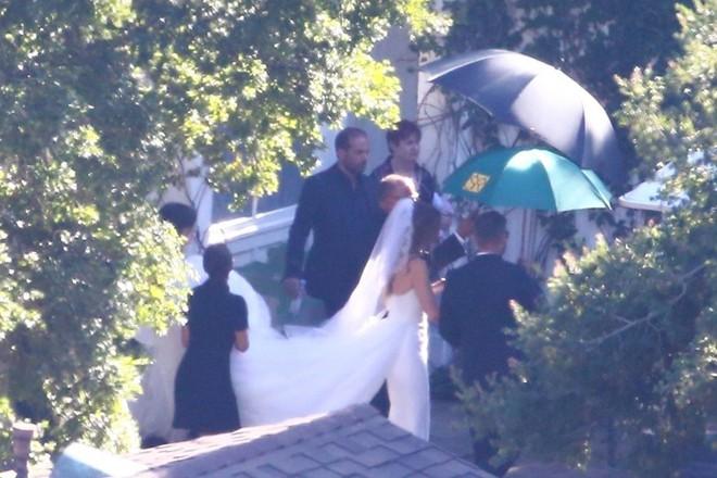 Đám cưới siêu hot kiểu gia tộc quyền lực nhất nước Mỹ: Ái nữ Kẻ huỷ diệt chính thức thành vợ tài tử Avengers - Ảnh 3.