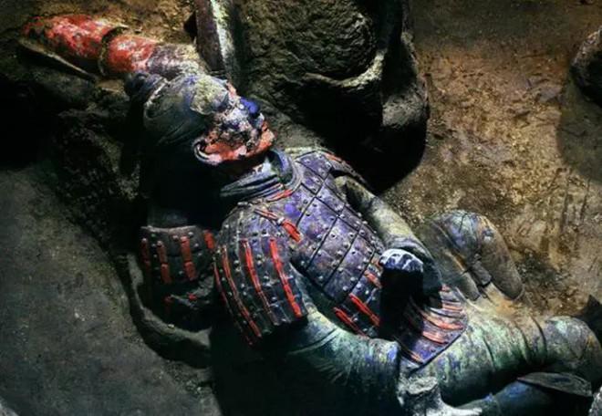 Tại sao không được phá tường giữa các chiến binh đất nung trong lăng Tần Thủy Hoàng - Ảnh 5.