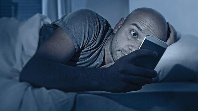 Tỉnh giấc lúc 3-4 giờ sáng rồi không thể ngủ tiếp: Bạn có thể đã mắc một trong 5 bệnh này - Ảnh 5.