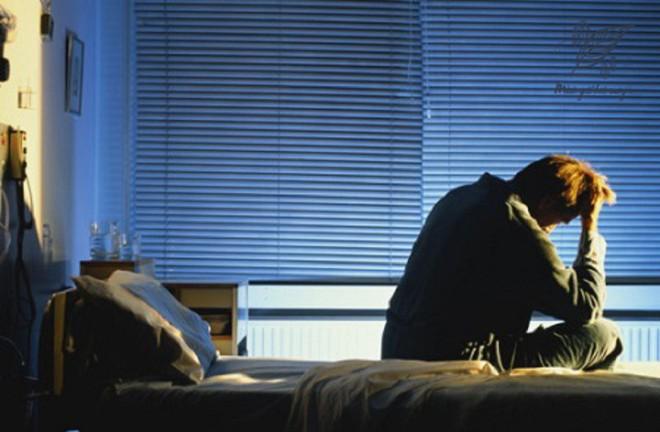 Tỉnh giấc lúc 3-4 giờ sáng rồi không thể ngủ tiếp: Bạn có thể đã mắc một trong 5 bệnh này - Ảnh 3.