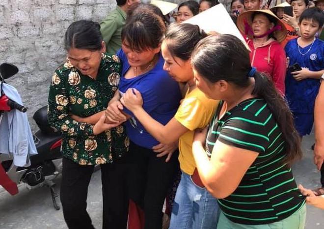 Giây phút trùng phùng của người phụ nữ bị bán sang Trung Quốc 24 năm mới trở về - Ảnh 2.