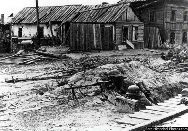 Ảnh hiếm về phát xít Đức trong trận Stalingrad - ảnh 6