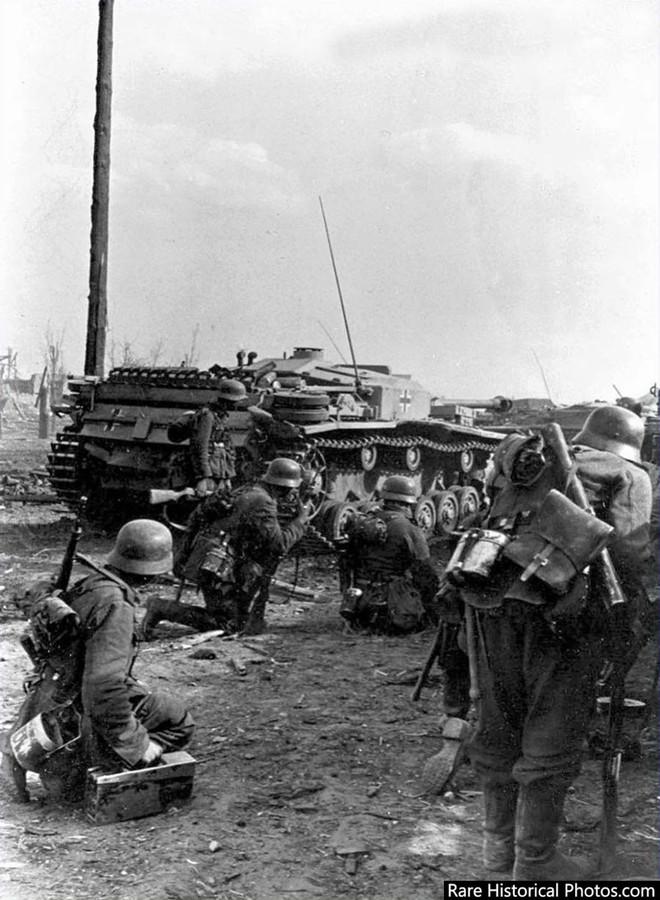 Ảnh hiếm về phát xít Đức trong trận Stalingrad - ảnh 7