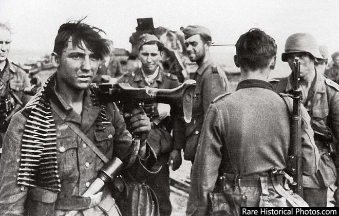 Ảnh hiếm về phát xít Đức trong trận Stalingrad - ảnh 8