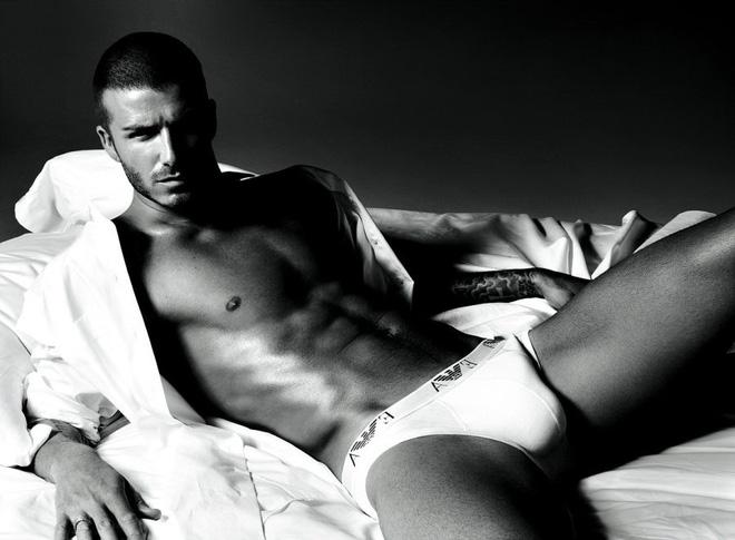 """""""Cừu non"""" Văn Thanh, """"sói già"""" Beckham, Ronaldo và chiêu trò quảng cáo bẩn - Ảnh 4."""