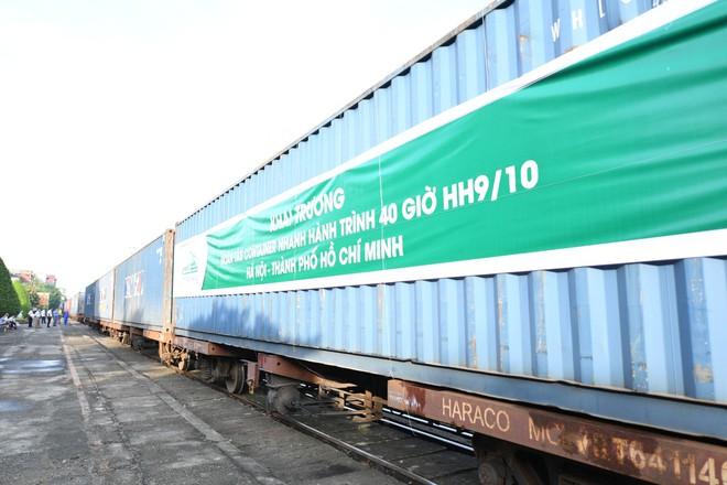 Viettel Post tung dịch vụ tàu hàng Bắc Nam dưới 40h, rẻ hơn 20% phí chuyển bưu kiện - Ảnh 1.