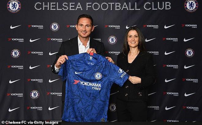 Trước mắt là chông gai, Lampard đáp trả bất ngờ khi được đề nghị xin tư vấn từ Mourinho