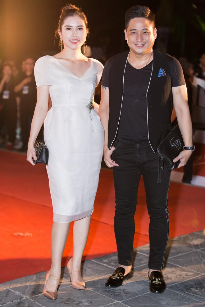 Hoa hậu Trần Tiểu Vy khoe chân dài miên man, xinh đẹp nổi bật giữa dàn hoa hậu đình đám - Ảnh 17.