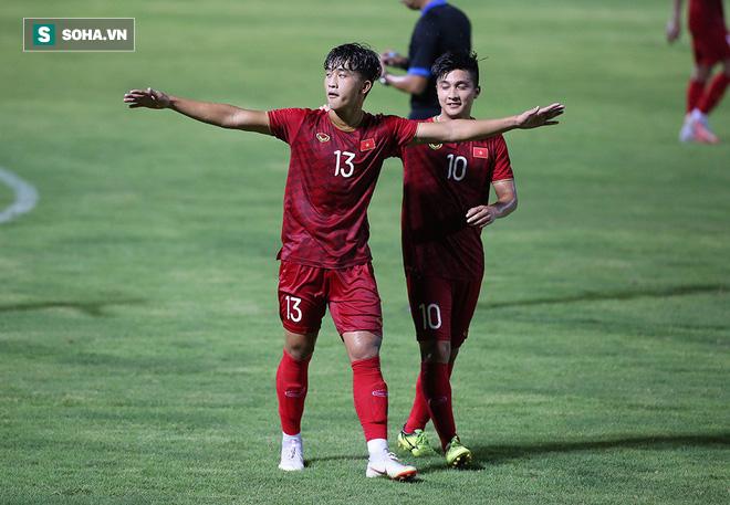 Được thầy Park ưu ái tung vào sân đến 2 lần, tiền vệ Việt kiều lập công cho U22 Việt Nam - Ảnh 4.