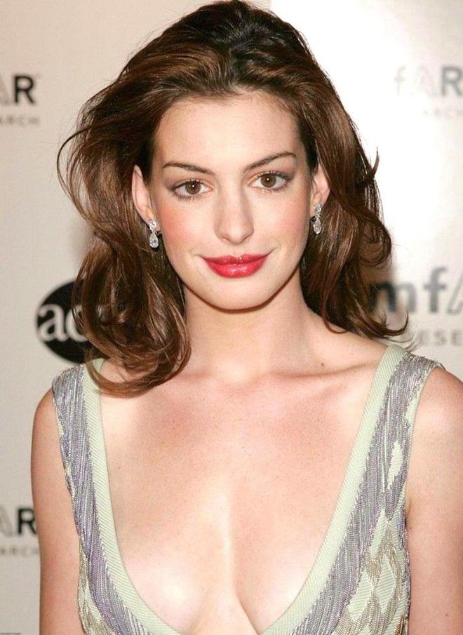 Anne Hathaway: Nhan sắc tột đỉnh nhưng tình duyên lận đận, phải chiến đấu để có con - Ảnh 5.
