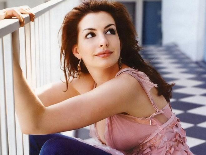 Anne Hathaway: Nhan sắc tột đỉnh nhưng tình duyên lận đận, phải chiến đấu để có con - Ảnh 7.