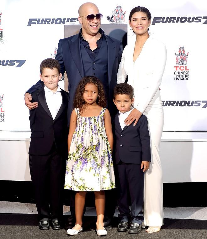 Tài tử Fast & Furious Vin Diesel: Siêu sao giàu bậc nhất Hollywood, được ông chủ Facebook ngưỡng mộ - Ảnh 8.