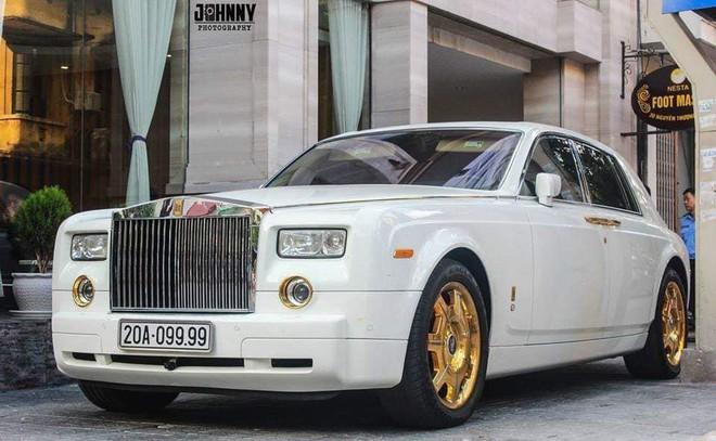 Đại gia Thái Nguyên bán Rolls-Royce Phantom mạ vàng biển tứ quý 9: Giá đồn đoán vượt nửa triệu USD - Ảnh 1.