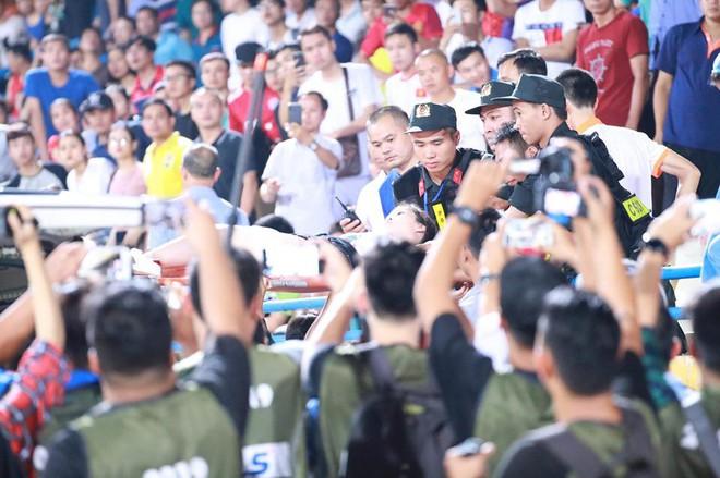 Hà Nội FC hủy diệt đối thủ ngày cảnh tượng hãi hùng lấn át cơn mưa bàn thắng ở Hàng Đẫy - Ảnh 4.