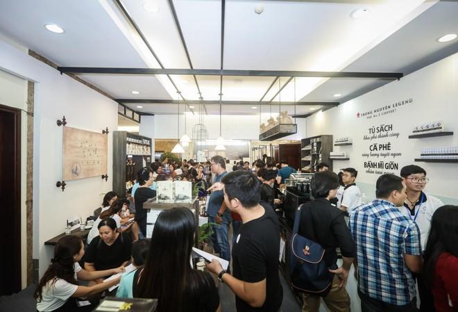 Làn sóng cửa hàng Trung Nguyên E-Coffee với phí nhượng quyền 0 đồng - Ảnh 1.