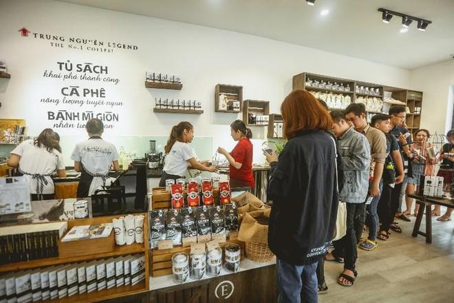 Làn sóng cửa hàng Trung Nguyên E-Coffee với phí nhượng quyền 0 đồng - Ảnh 2.