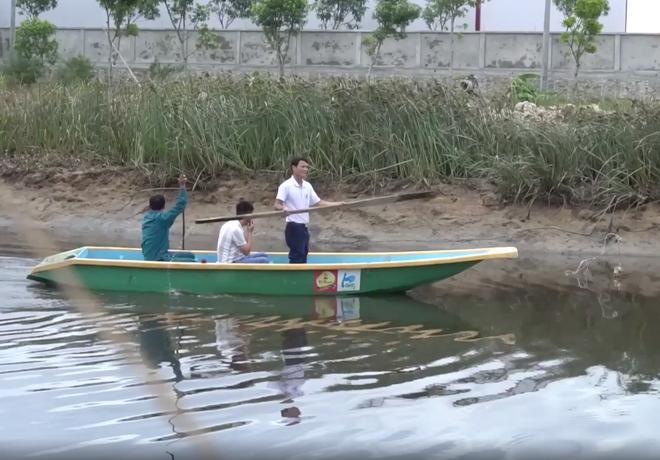 Không thấy dấu vết cá sấu khủng trên sông, tổ công tác dừng tìm kiếm - Ảnh 2.