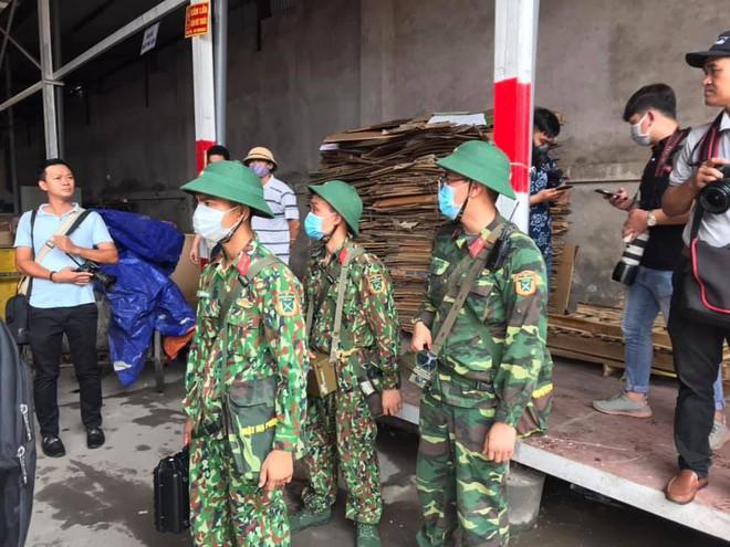 Thượng tá Nguyễn Văn Bổng: Thời gian khử độc ở Rạng Đông sẽ khá lâu - Ảnh 4.