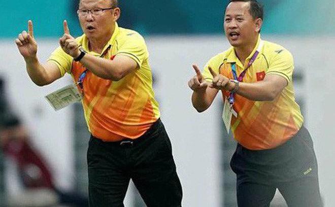 Cựu trợ lý Lê Huy Khoa lý giải 'scandal' thầy Park đổ lỗi cho Văn Lâm sau trận thua Iraq