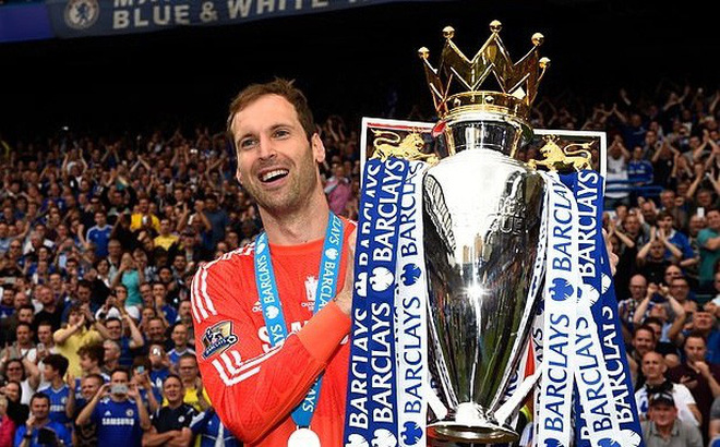 Thủ môn Cech vừa tuyên bố giải nghệ, Chelsea lập tức muốn nhận lại anh
