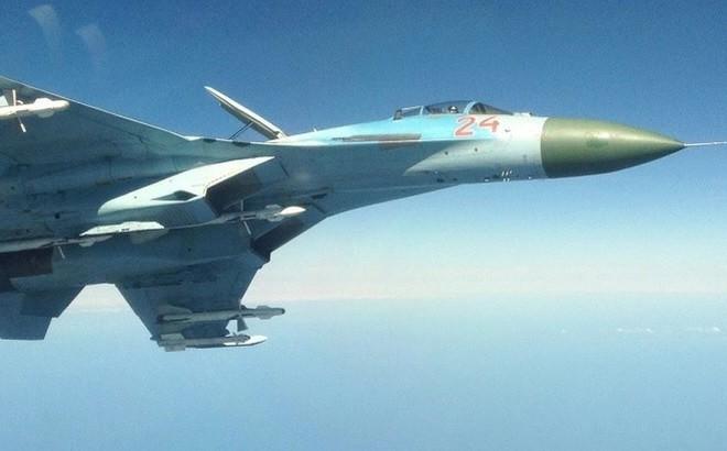 Tiêm kích cận vệ Su-27 quyết liệt đánh chặn máy bay chiến đấu NАТО
