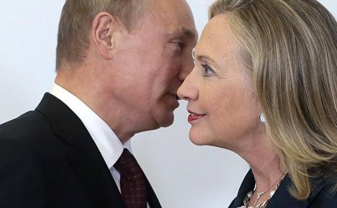 """Cựu Ngoại trưởng Hillary Clinton: Mỹ nhất quyết rút khỏi INF là """"món quà"""" dành cho ông Putin"""