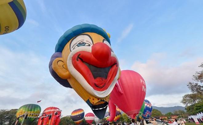Hút mắt với lễ hội khinh khí cầu rực rỡ sắc màu tại Malaysia