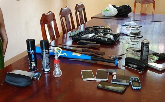 Nhóm mua bán trái phép ma túy tàng trữ súng đạn và roi điện