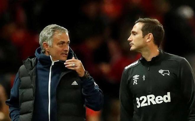 "Lampard từ chối làm ""bản sao"" của Solskjaer?"