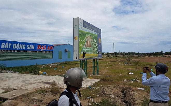 Hàng trăm người mua đất kéo đến trụ sở UBND tỉnh Quảng Nam cầu cứu