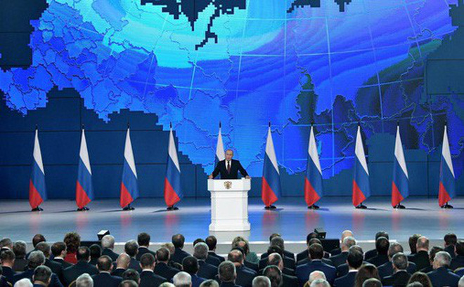 """Bước chân Nga """"rộn rã"""": Moscow thấy tương lai tại Trung Quốc và lục địa Á-Âu?"""