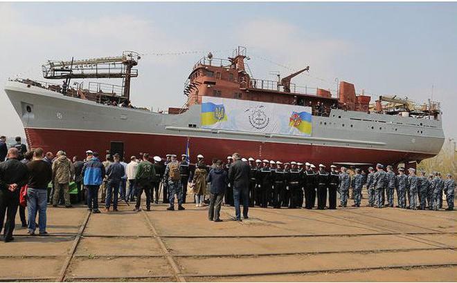 Ukraine hạ thủy tàu gián điệp giữa lúc 'nước sôi lửa bỏng'