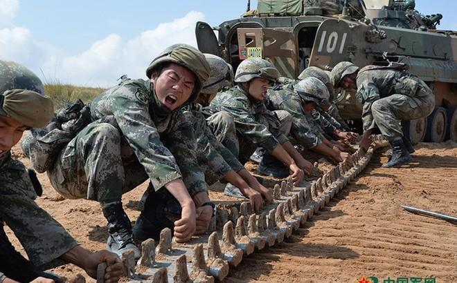 Có gì trong căn cứ huấn luyện lớn nhất Trung Quốc?