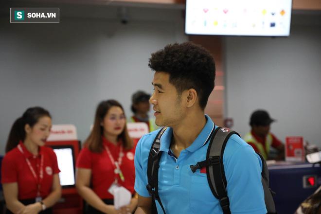 Thầy Park mệt mỏi, U23 Việt Nam lặng lẽ về Bangkok chuẩn bị quyết đấu Triều Tiên - Ảnh 4.