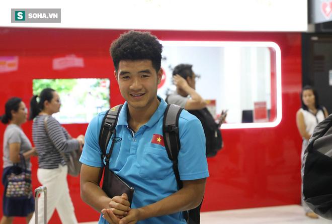 Thầy Park mệt mỏi, U23 Việt Nam lặng lẽ về Bangkok chuẩn bị quyết đấu Triều Tiên - Ảnh 12.