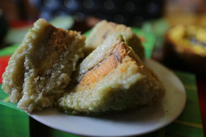 Hơn nửa triệu đồng một cặp bánh chưng trà xanh nhân cá hồi Na Uy - Ảnh 10.