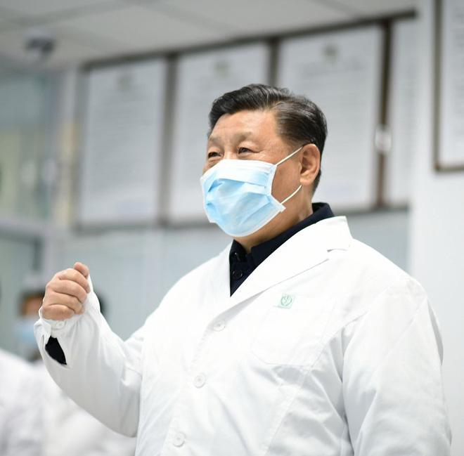 Hồ Bắc thay đổi tiêu chuẩn chẩn đoán, số ca nhiễm mới tăng 10 lần, PLA cử thêm 2.600 y bác sĩ đến Vũ Hán - Ảnh 1.