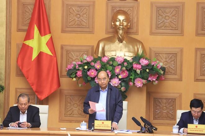 Thủ tướng: Chúng ta kiên quyết nhưng bình tĩnh chống dịch, cố gắng vừa chống dịch tốt và thực hiện phát triển kinh tế xã hội đảm bảo bình thường - Ảnh 2.