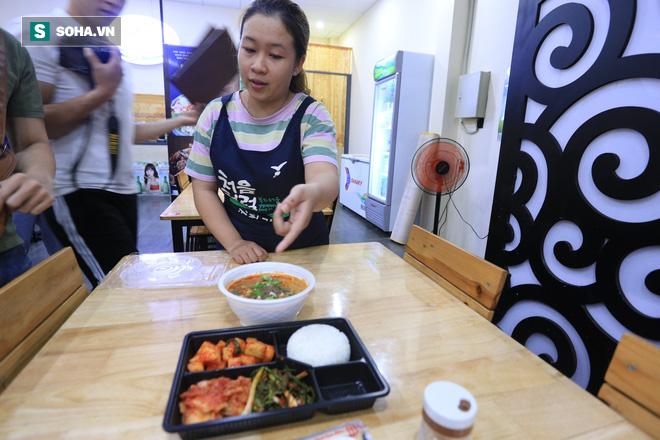Quản lý nhà hàng ở Đà Nẵng ngỡ ngàng vì đồ ăn bị nhóm khách Hàn Quốc chê bai ăn uống tồi tệ - Ảnh 4.