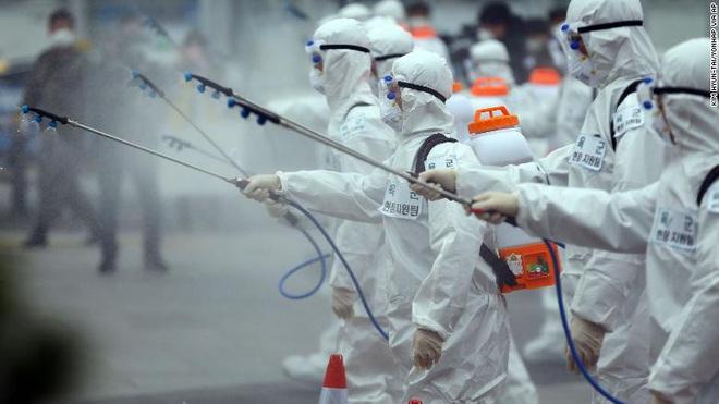 Hàn Quốc: Tổng số ca nhiễm COVID-19 vượt 3.500 người, một lãnh đạo của  Shincheonji phủ nhận trách nhiệm - Ảnh 3.